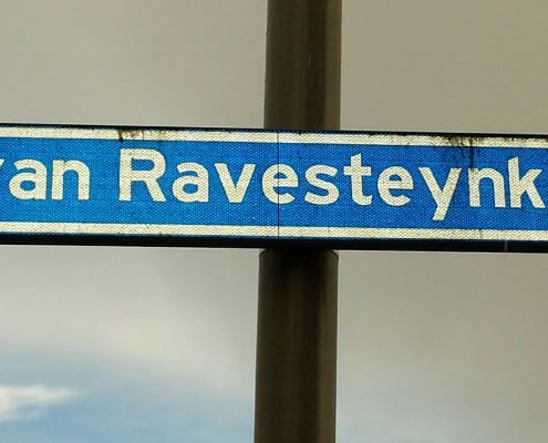 Nieuw straatwerk voor de van Ravesteynkade