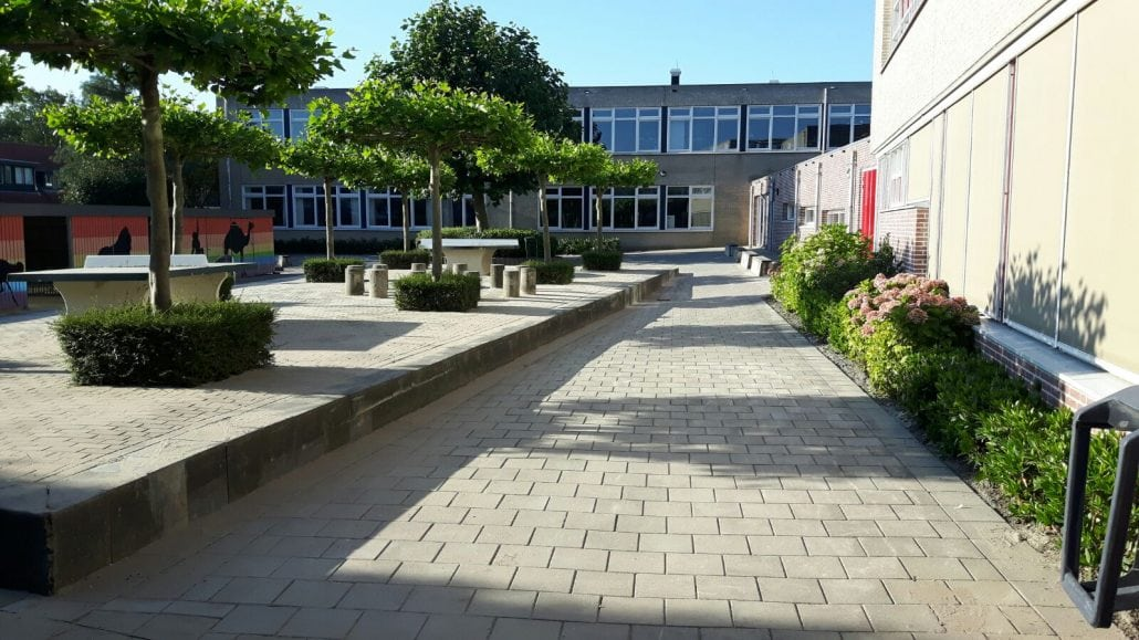 Straatwerk schoolplein Lekkerkerk