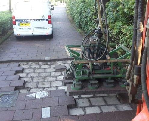 uitzuigen bestrating Waalwijk