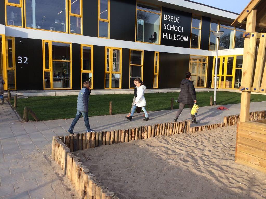 Gras aanleggen schoolplein (1)