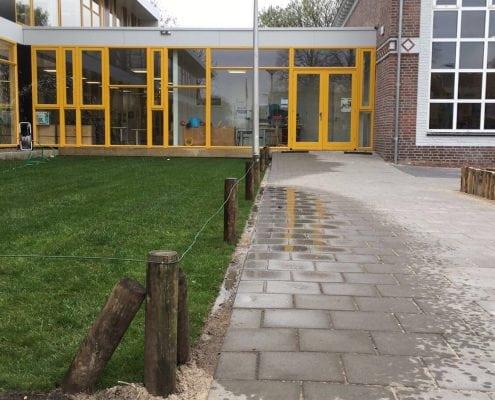Gras aanleggen schoolplein (2)